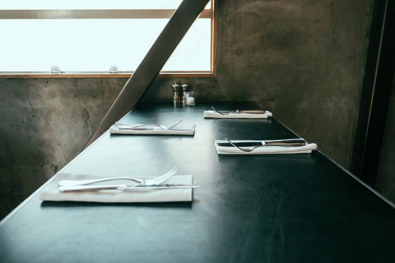 Une pointe de blanc dans la vaissellet et le linge de maison