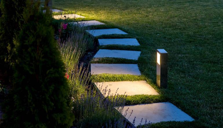 Les lampes tendance pour décorer votre jardin