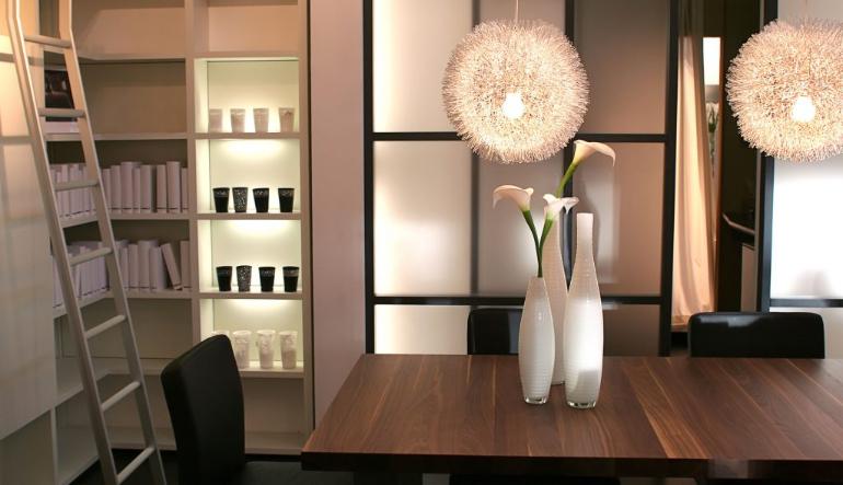 Acheter du mobilier industriel en magasin de meuble